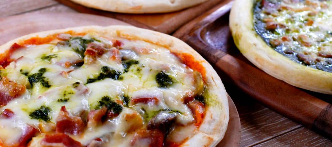 3種のピザセット 5,400円(税込)